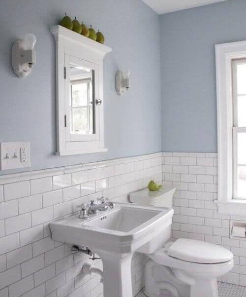при украсяването на вашата баня стените трябва да са приоритет