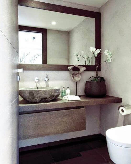 огледалото във вашата баня има важна роля
