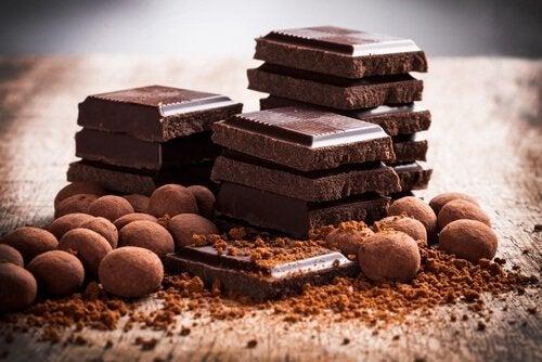избягвайте шоколад при киселинен рефлукс