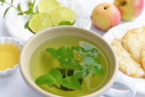 6 фантастични чая, които ще детоксикират тялото ни