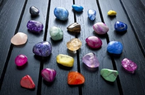 чакрите и влиянието на камъните