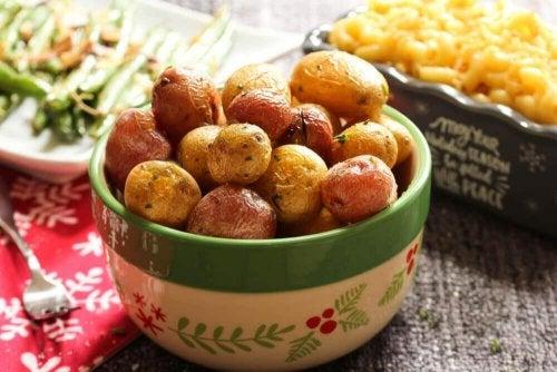 Опитайте да хапнете варени или печени картофи с малко ориз