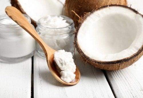 кокосово масло за красиви мигли