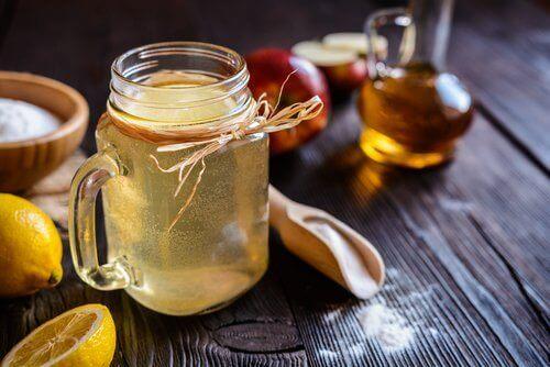 Лоша вагинална миризма се лекува с ябълков оцет