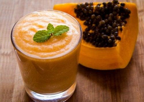 детоксикиращите напитки с папая ще ви помогнат да отслабнете