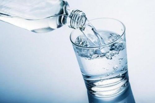 Пиене на вода за здравословна менопауза