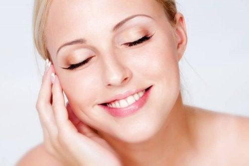 почистване и хидратиране на лицето след грим