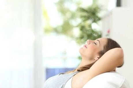 Използвайте успокояващи фрази при  атаки на тревожност