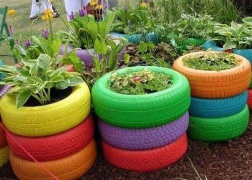 Автомобилните гуми могат да бъдат използвани за саксии