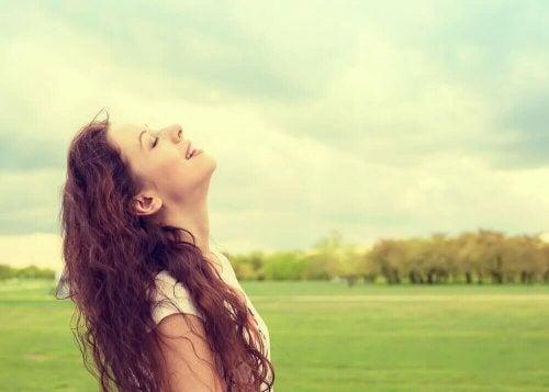 общувайте със себе си, за да постигнете щастие и да се спасите от изтощение