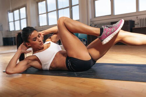 стегнете корема с упражнения