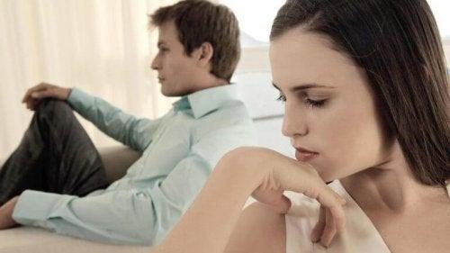 ако не сте щастливи във връзката си, потърсете причините