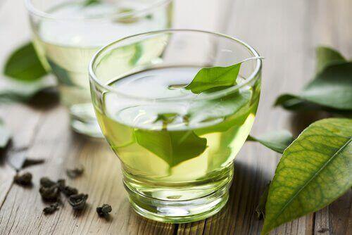 зелен чай чисти токсините от тялото ни