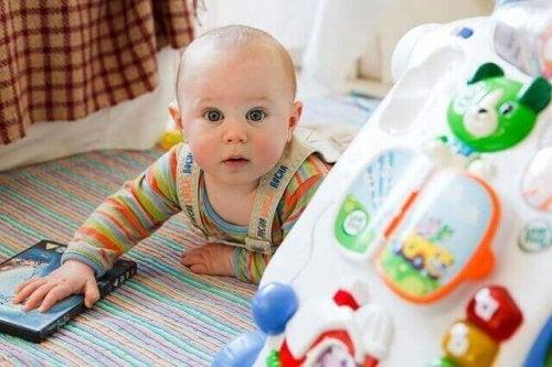 интелигентността означава и да осигурите нужната автономия на бебто