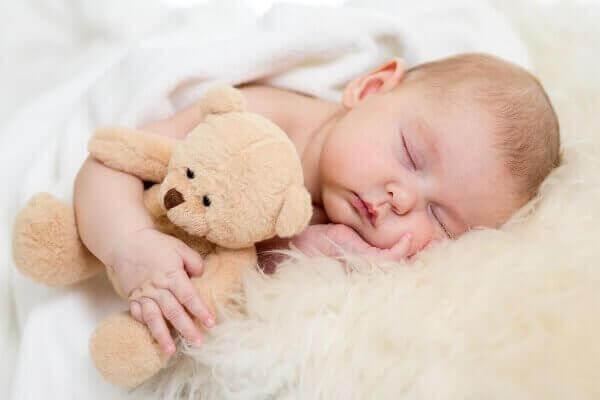 бебето и сънят