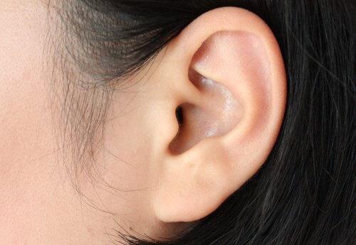 Лекарство с мента при болки в ушите
