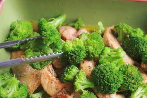 рецепта как да приготвите броколи с шунка