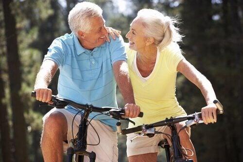 За да останете във форма след 50, изберете правилната активност
