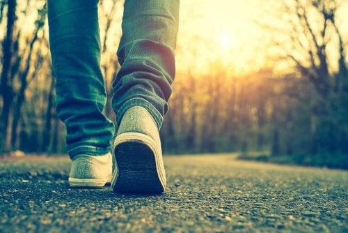 ходенето също може да ви помогне за това да имате стегнато дупе
