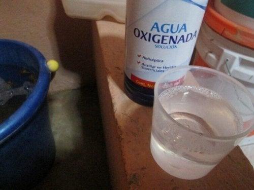 кислородна вода за премахване петната от пот