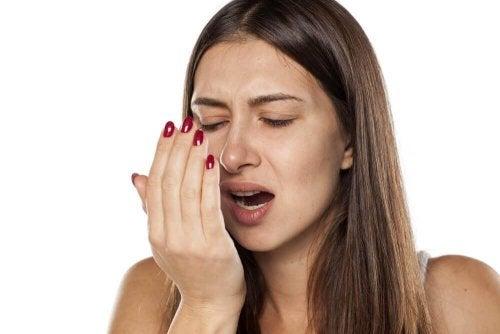 Листа от мента против лош дъх