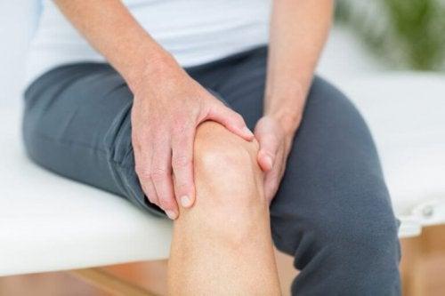 Следете теглото си, ако искате да имате здрави колене