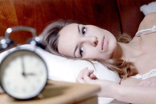 недостатъчен сън е причина, поради която да се чувствате уморени