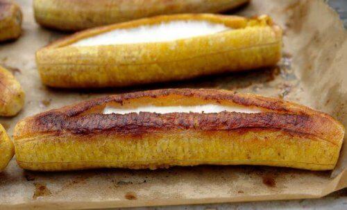 Печени, пълнени банани - чудесна и нестандартна рецепта