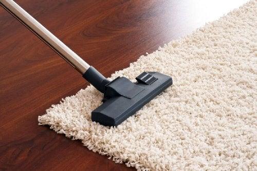 Сода за хляб и оцет за почистване на килими