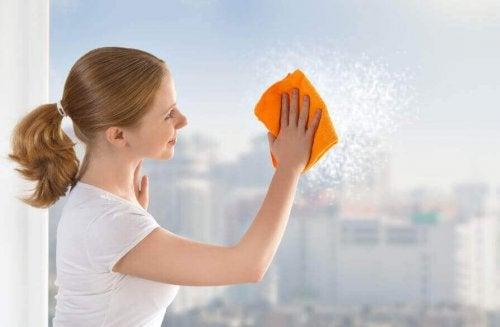 6 съвета за почистване на прозорците