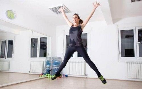 Подскоци звезда - ефикасни кардио упражнения