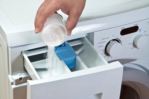 домашните акари се унищожават, ако перете на висока температура