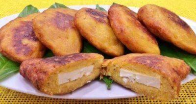 4 вкусни начина за приготвяне на печени пълнени банани