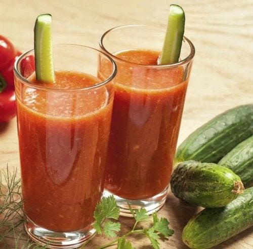 Смути с краставици и домати