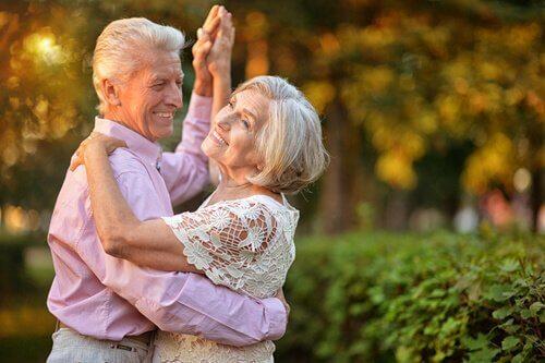 За да запазите форма след 50 години, танцувайте