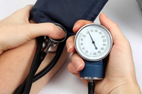5 натурални средства при високо кръвно налягане