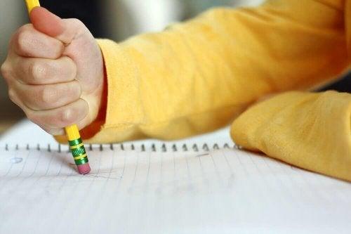 Внимание: Тези прояви могат да са признак, че детето ви изпитва затруднения с ученето