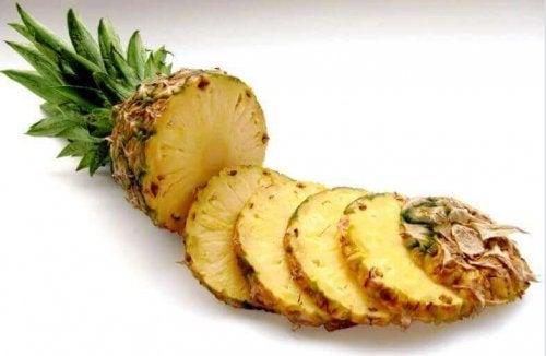 ананасът ще ви помогне да контролирате флебита