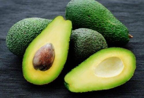 авокадото помага да се отървете от целулита