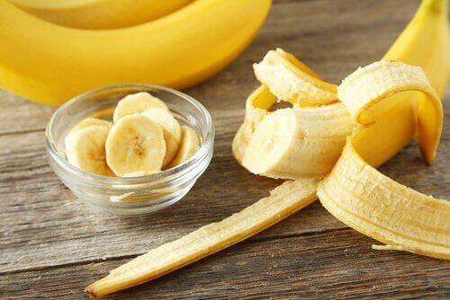 маска от банан за копринена коса