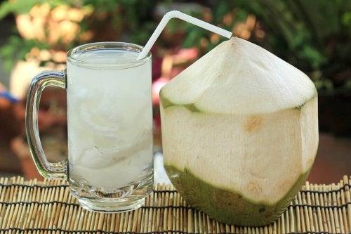 кокосова вода при пикочни инфекции