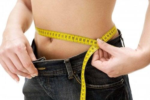 отслабването с диетата с ниско съдържание на въглехидрати е лесно