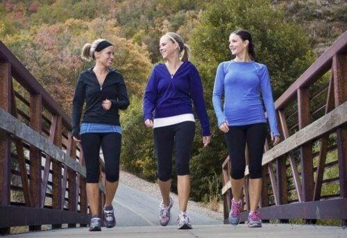 разходките са полезен начин за контролиране на негативното мислене
