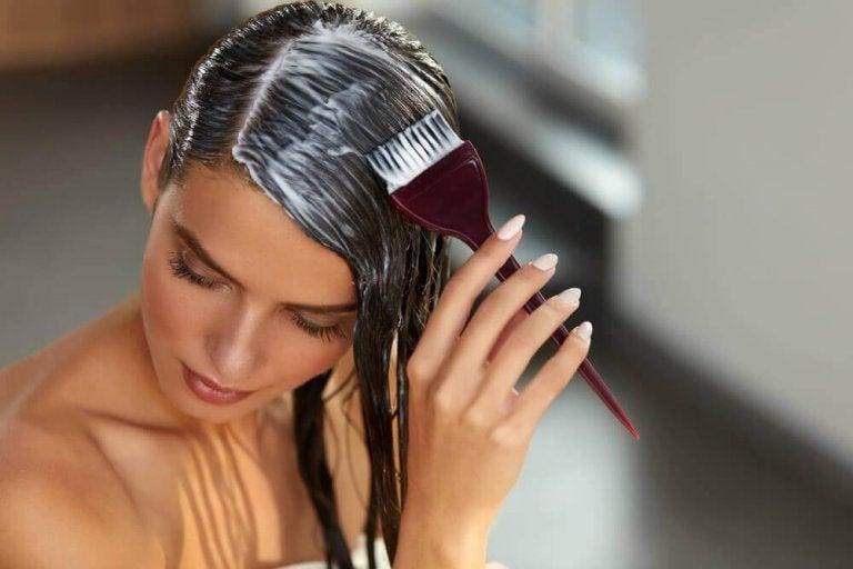 Реполяризацията на косата у дома: Възстановете косата си за минути