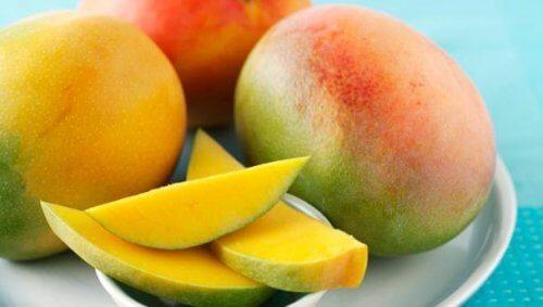 мангото е отлична добавка към редица здравословни салати