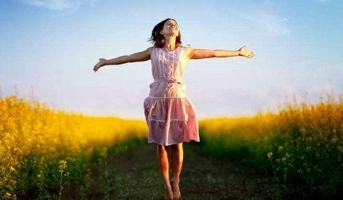 серотонинът в химичния състав на мозъка е хормонът, който ни прави по-щастливи