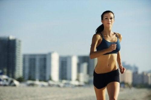 редовното спортуване подобрява функционирането на щитовидната жлеза