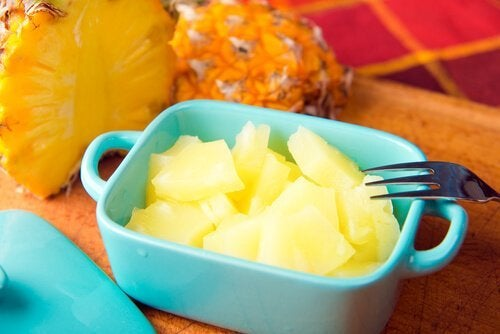 ананасът е полезен за здравето, тъй като насърчава ефикасната детоксикация на организма
