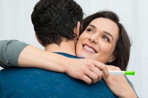тест за бременност и посещение при гинеколог