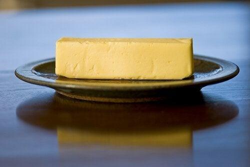 гхи маслото е чудесен избор на храна при суха кожа